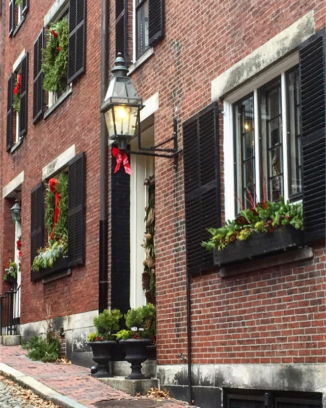 A walk through Acorn Street - Beacon Hill, Boston, MA