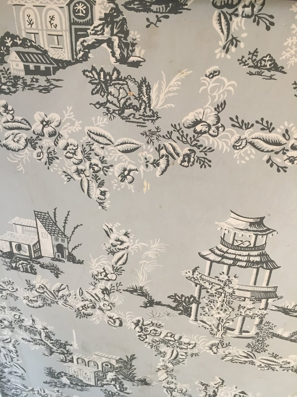 Wallpaper on the walls in one of the rooms of the Longfellow Wayside Inn - Sudbury, MA - Photo Linda Smith Davis