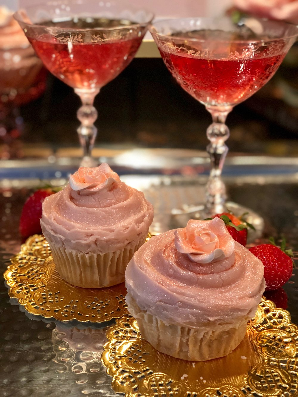 easy pink Champagn cupcakes .jpg