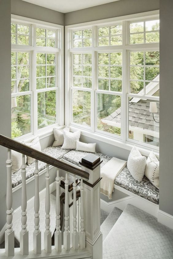 corner window stairway design