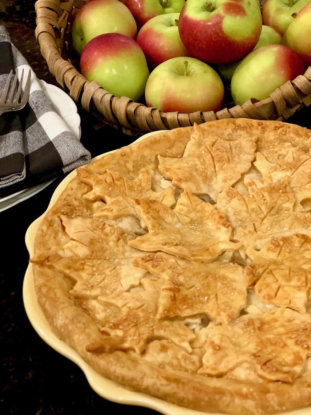 vanilla sugar on an apple pie