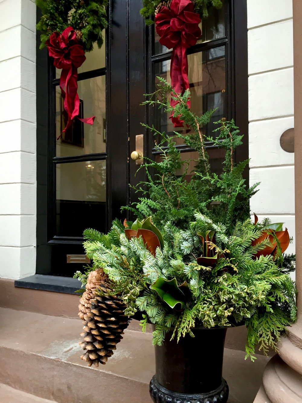 Christmas Wreath Ideas Beacon Hill Boston.jpg