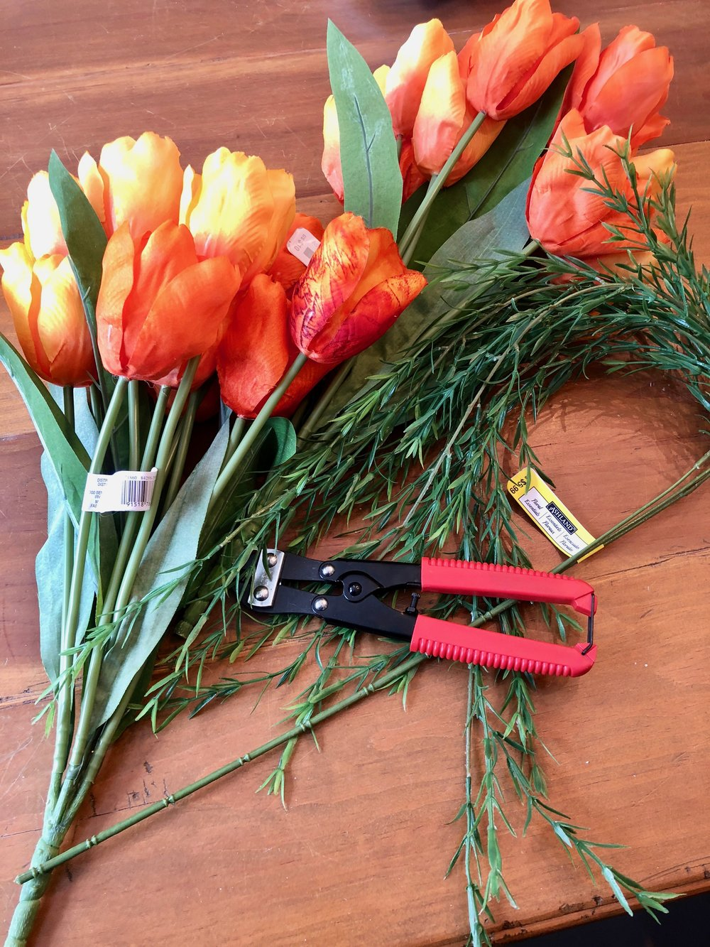 how to make a carrot out of tulips