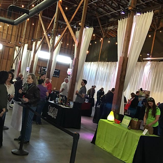 Today is the Snohomish Wine Festival! Stop by and try some fantastic wines, cider and in honor of #nationalbeerday #snotown is here. Thomas Family Farm for #daydrinking #snohomishwinefestival #snohomish