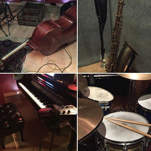 Killing session today recording with Ben Castle, Cian Boylan and Barry Donohue in Camden Recording Studios! Music sounding beautiful 🥁 🎷 🎹