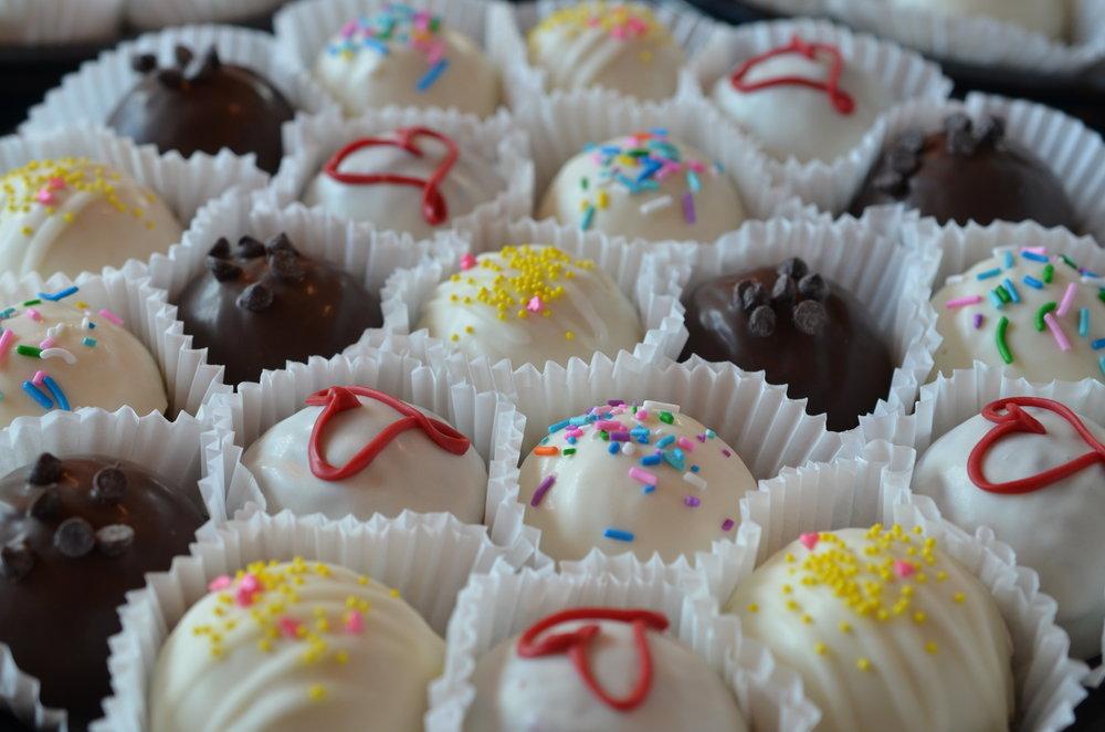 20 Cake Ball Platter - Assortment