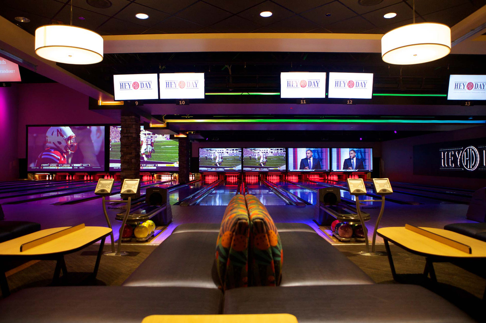 Sports Bar Bowling
