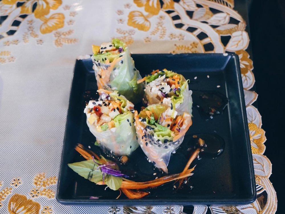 Fresh Thai spring rolls!
