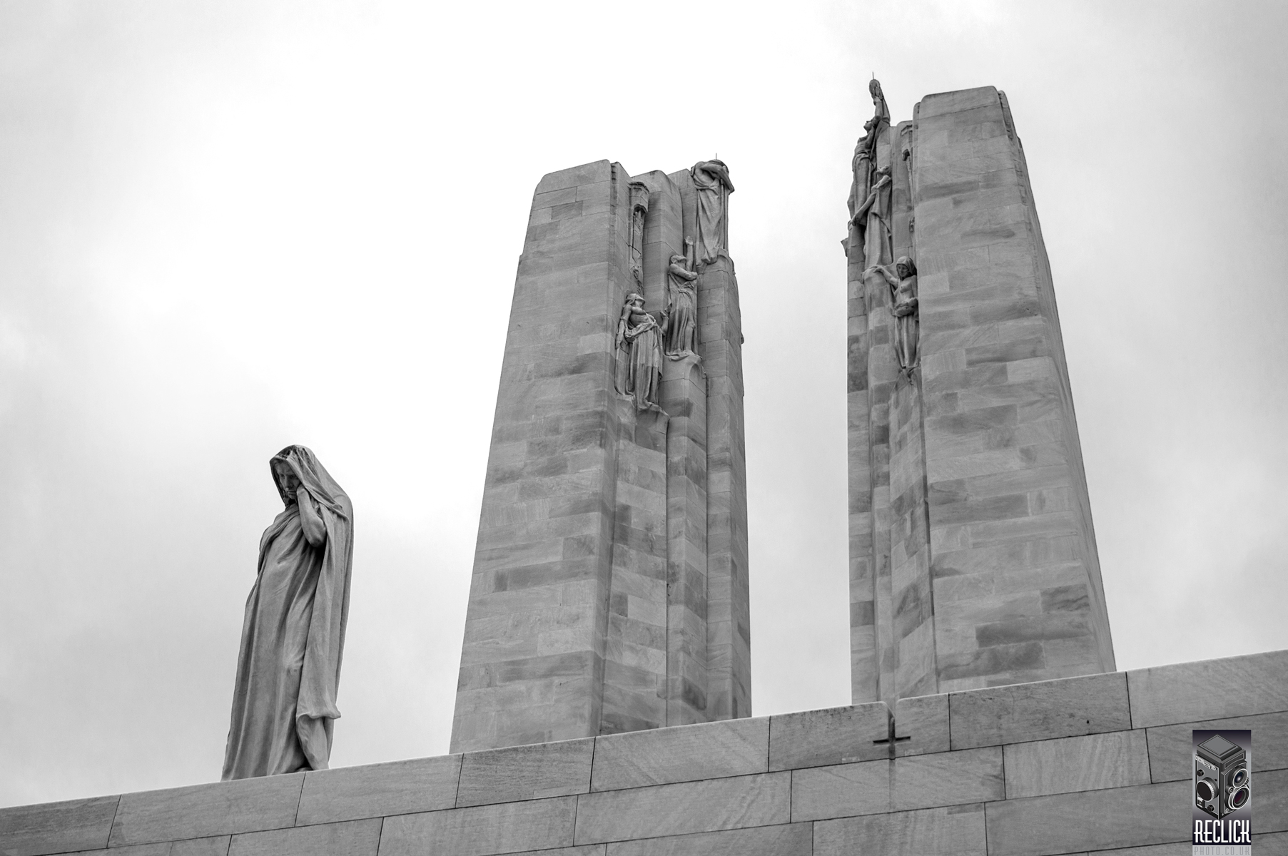 France, architecture, sculpture, landmark, WWI, First World War, History, Black and White, monochrome, Vimy, Battle of Vimy Ridge.
