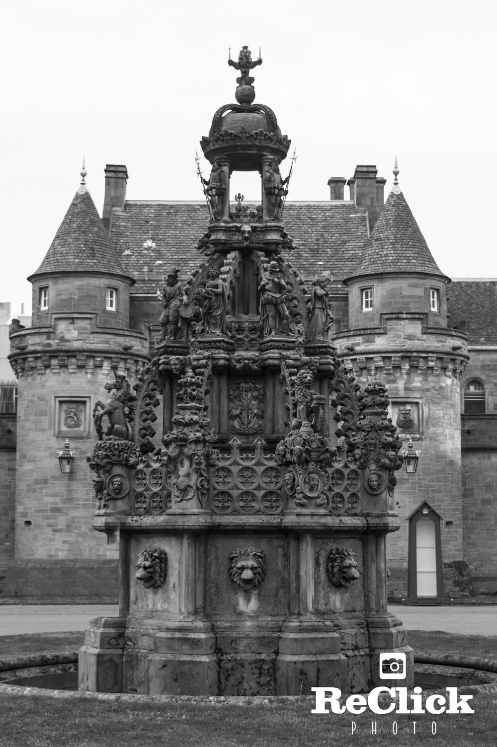 View of the ornate fountain in the Palace's Forecourt.