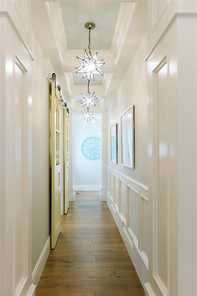 benjamin-moore-cool-breeze-csp-665-design-lindy-allen-photo-Jessie-Alexis-Photography-painted-ceilings-hall.jpg