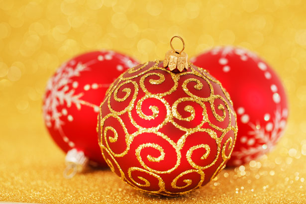 red-christmas-decoration.jpg
