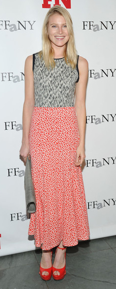 comfort-romantic-girly-style-type-dreehemingway-midi-skirt-platform-red-heels-sandals-mix-prints.jpg