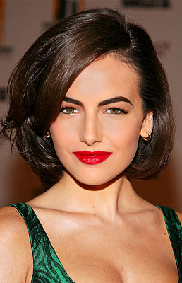 hair-romantic-girly-style-type-camillabelle-green-dress-hair-bob-glamorous-red-lips-eyebrows.jpg