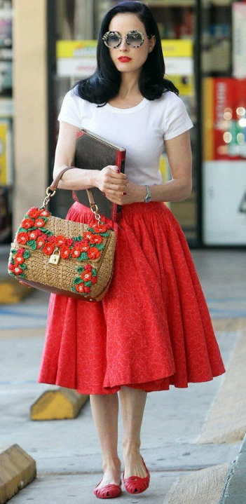 key-retro-style-type-fashion-ditavonteese-red-ful-skirt-white-tee-red-flats-sunglasses-casual-streetstyle.jpg