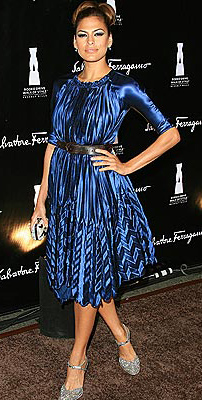 celebrity-retro-style-type-fashion-evamendes-blue-dress-shine-hair-updo-belt-pumps.jpg