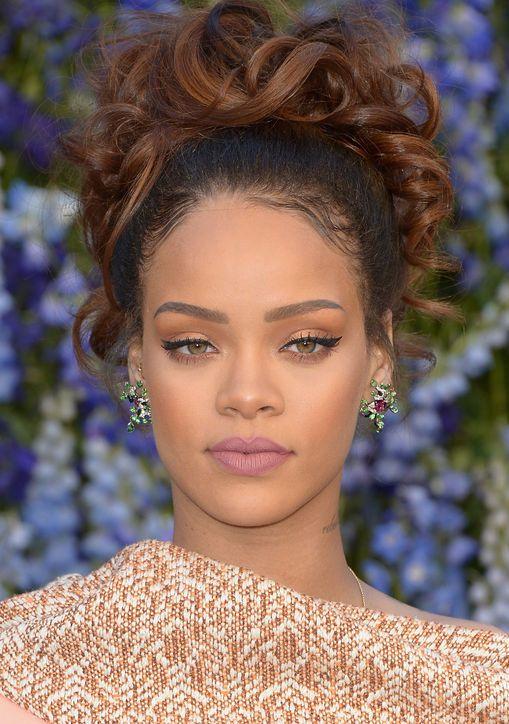 jewelry-trendsetter-style-type-fashion-rihanna-hair-updo-statement-studearrings.jpg