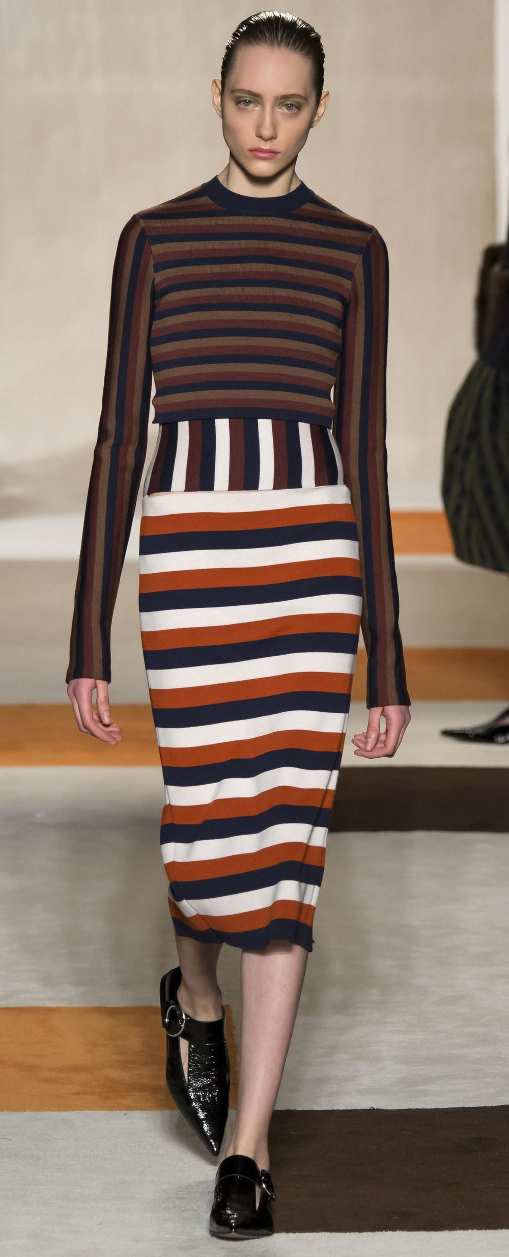 detail-dramatic-style-type-runway-mix-stripes-print-pencil-brogues.jpg