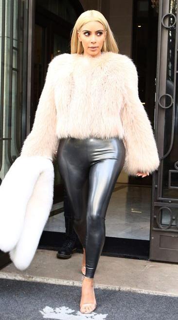 key-dramatic-style-type-kimkardashian-fuzzy-jacket-shiny-leggings-paris-white-blonde-hair-streetstyle.jpg