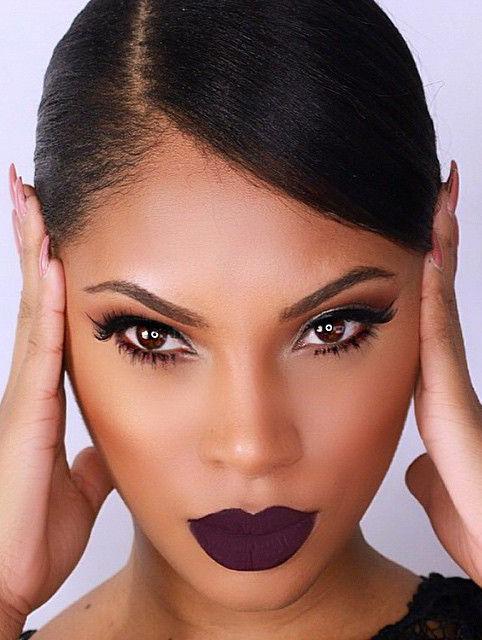makeup-dramatic-style-type-berrylips-sleek-dark-eyeliner-fashion.jpg