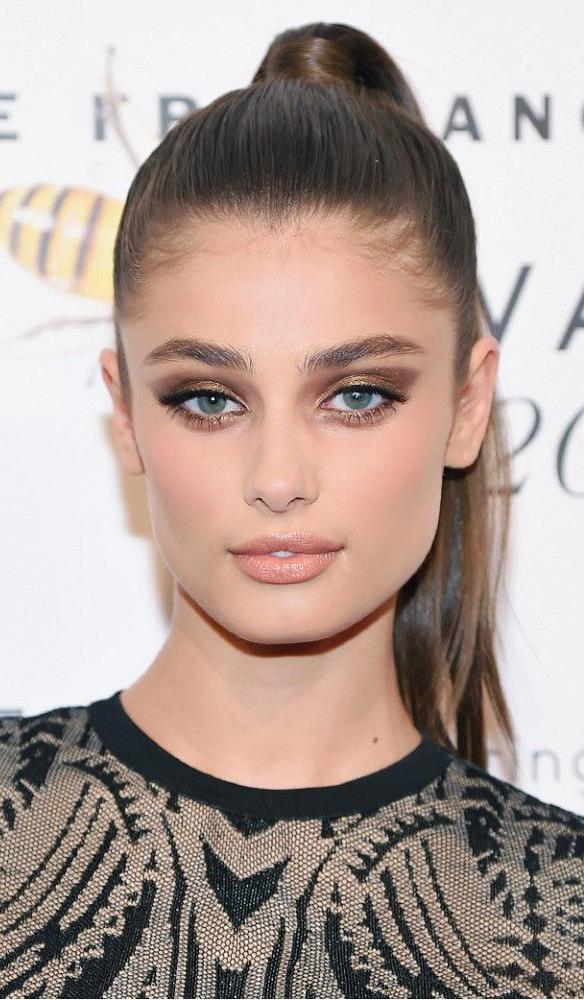 makeup-dramatic-style-type-bronze-smokeyeye-ponytail-nudelips-blueeyes.jpg
