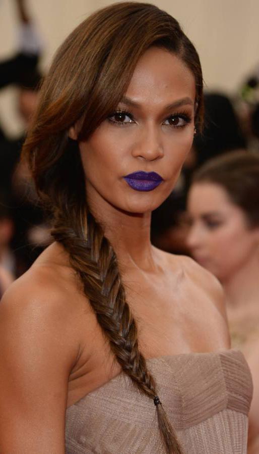 makeup-dramatic-style-type-purple-lips-dark-braid-side-model.jpg