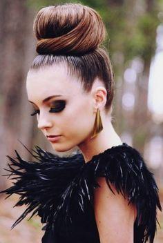 hair-dramatic-style-type-big-bun-hair-earrings-feather-dress-smokey-eyeshadow.jpg
