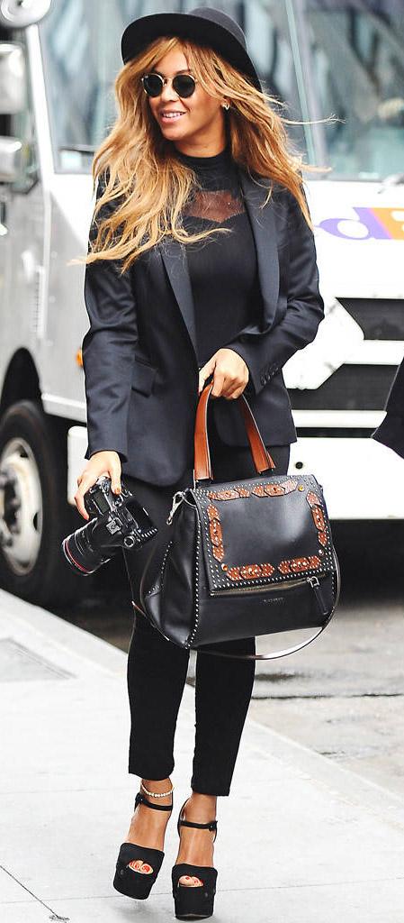 key-beyonce-bombshell-sexy-style-type-newyork-black-monochromatic-hat-sunglasses-blazer-jeans-streetstyle-camera.jpg
