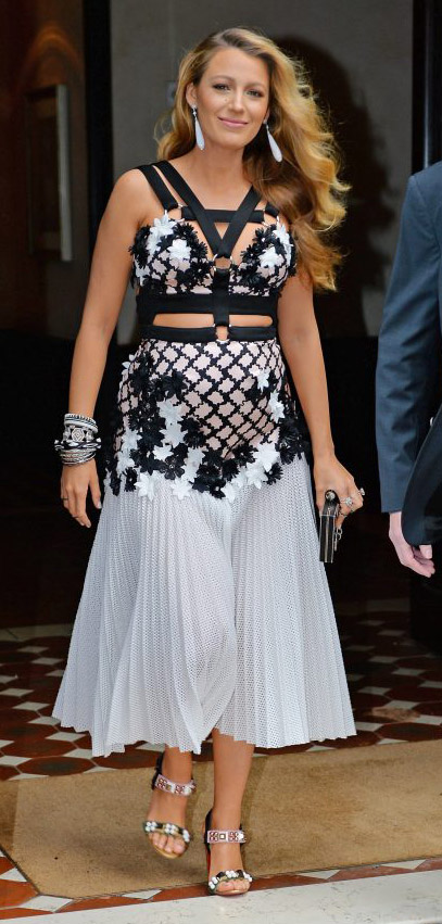 key-bombshell-sexy-style-type-blacklively-white-black-dress-midi-strap-blonde.jpg