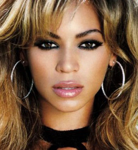 makeup-bombshell-sexy-style-type-beyonce-smokey-eyeshadow-hoop-earrings.jpg