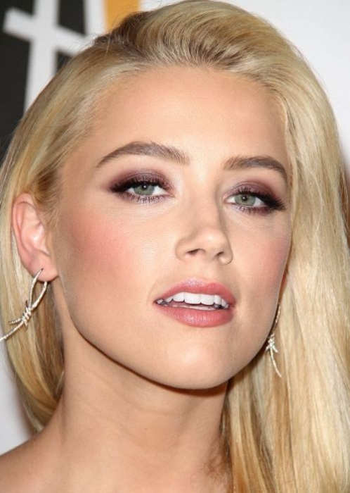 makeup-bombshell-sexy-style-type-green-eyes-blonde-hair-straight-earrings-eyeshadow-amberheard.jpg