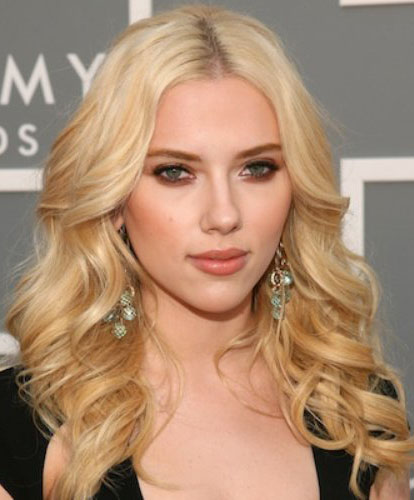 hair-blonde-bombshell-sexy-style-type-scarlettjohansson-blonde-wavy-long-earrings-eyeshadow-makeup.jpg