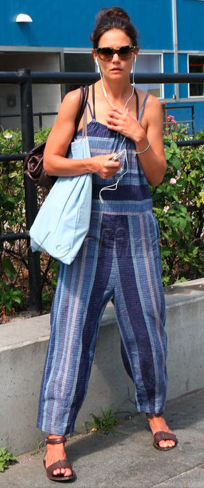 detail-natural-sporty-style-type-katieholmes-blue-jumpsuit-stripe-casual-sandals-sunglasses.jpg