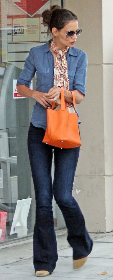key-natural-sporty-style-type-katieholmes--wide-leg-jeans-flare-shirt-scarf-updo-orange-bag.jpg