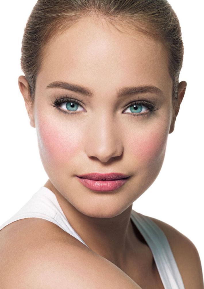 makeup-natural-sporty-style-type-bareface-pink-blush-lips-nomakeup.jpg