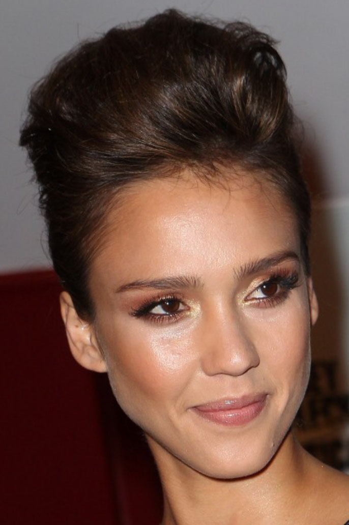 hair-natural-sporty-style-type-jessicaalba-updo-puff-poof.jpg