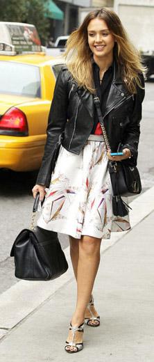 celebrity-natural-sporty-style-type-jessicaalba-knee-skirt-aline-white-black-moto-jacket-streetstyle.jpg