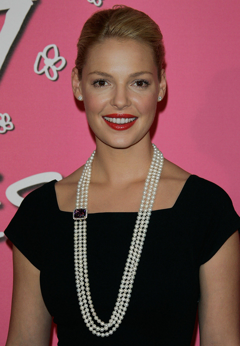 jewelry-classic-style-type-katherineheigl-pearl-multistrand-long-necklace-littleblackdress-lbd.jpg