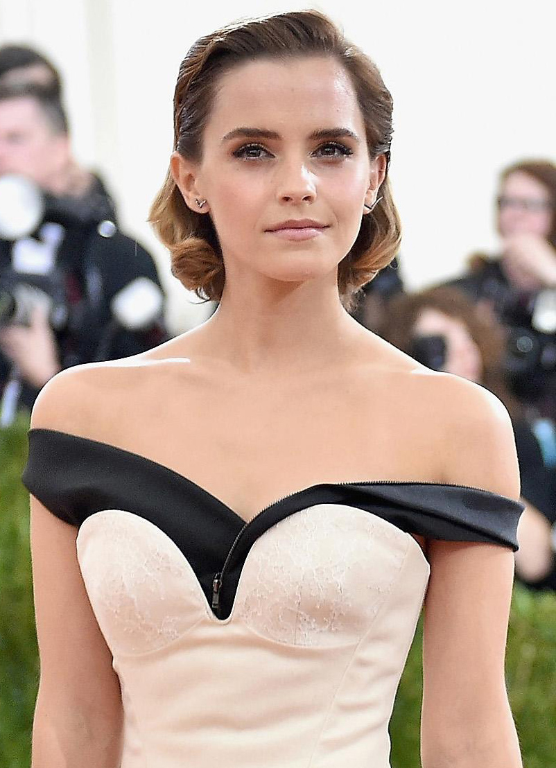 hair-classic-style-type-emmawatson-offshoulder-gown-redcarpet.jpg