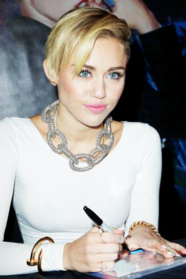 Miley Cyrus -