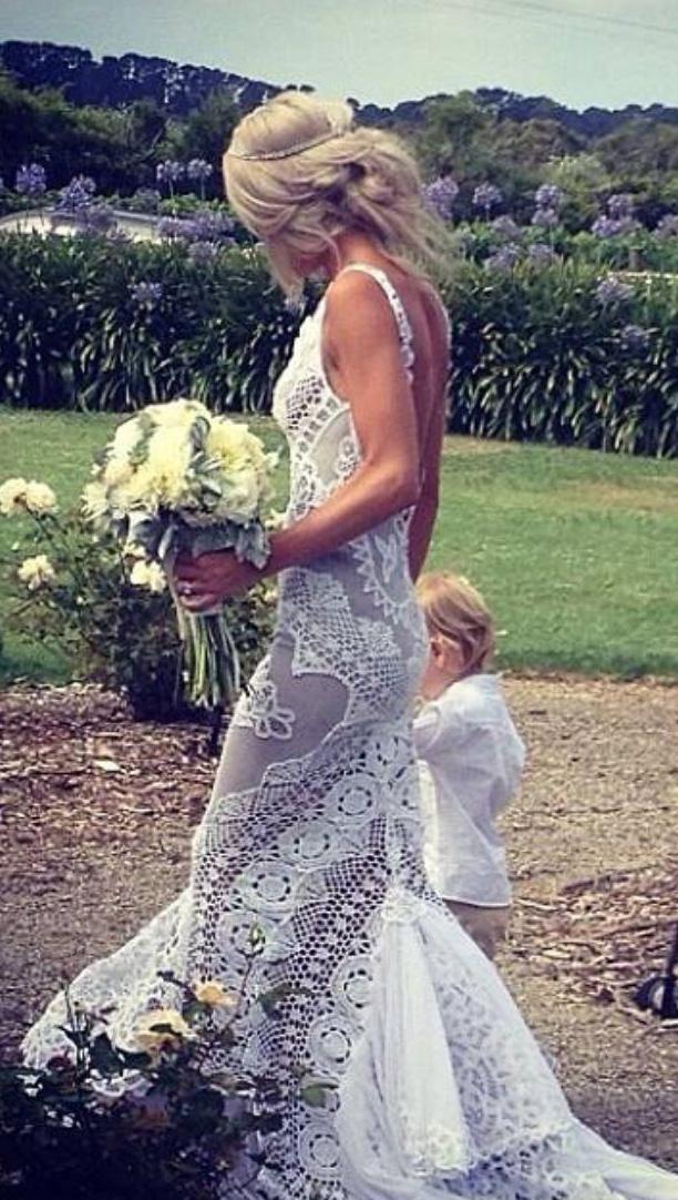 elegant-bohemian-style-type-white-gown-wedding-lace.jpg