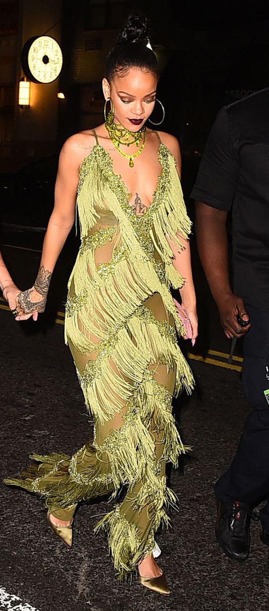 elegant-trendsetter-style-type-fashion-rihanna-green-fringe-flapper-dress-modern-choker-hoops-earrings-bun-hair-pumps.jpg