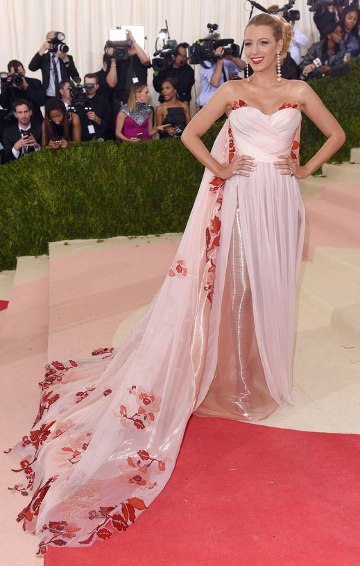 elegant-bombshell-sexy-style-type-blacklively-dress-pink-gown-redcarpet-blonde-flowers-long-strapless-updo.jpg