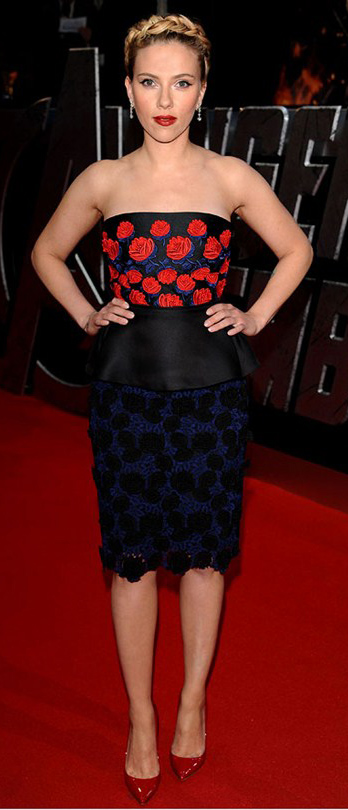 elegant-scarlettjohansson-redcarpet-strapless-red-blue-floral-flower-braid-crown-hair-blonde-pumps.jpg