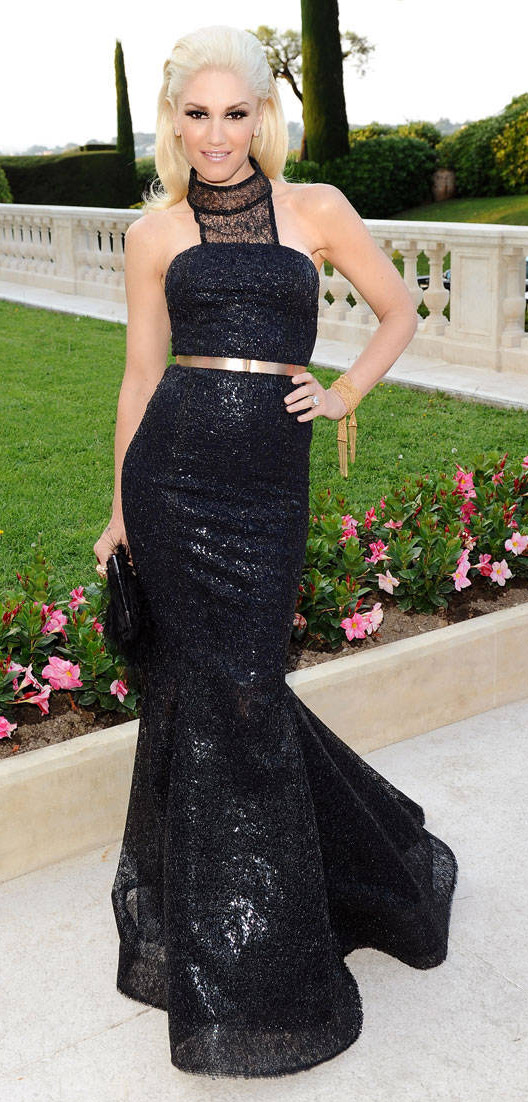 elegant-rebel-grunge-style-type-gwenstefani-gala-2011-black-dress-gown-highneck-belt-blonde-mermaid.jpg