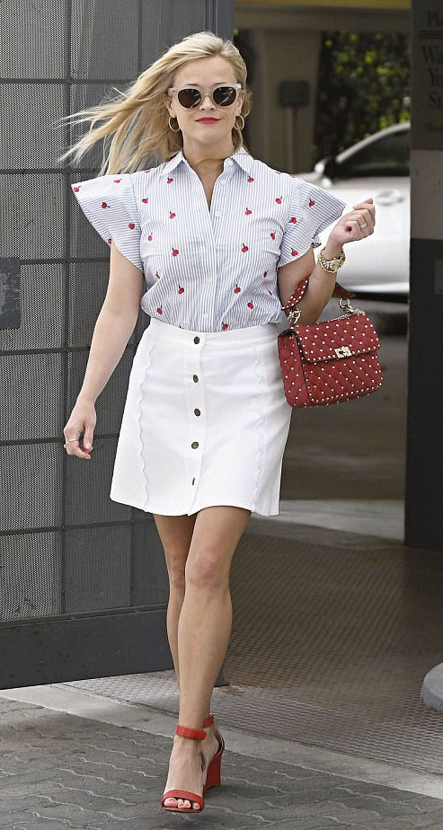 white-mini-skirt-blue-light-top-button-print-red-bag-red-shoe-sandalw-sun-cherry-hoops-reesewitherspoon-howtowear-style-spring-summer-blonde-lunch.jpg