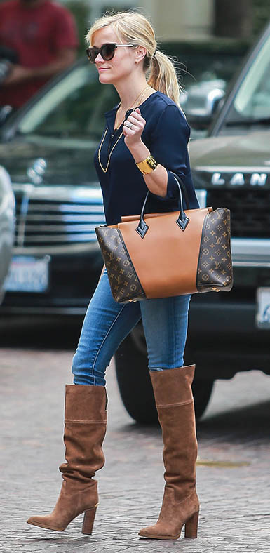 blue-med-skinny-jeans-blue-navy-top-necklace-cognac-shoe-boots-brown-bag-tote-sun-pony-reesewitherspoon-howtowear-style-fall-winter-blonde-lunch.jpg