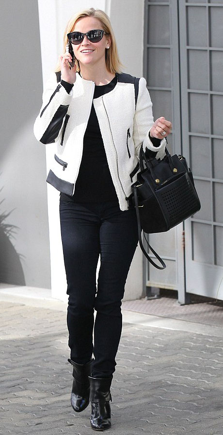 black-skinny-jeans-black-sweater-white-jacket-moto-sun-black-bag-black-shoe-booties-reesewitherspoon-howtowear-style-fall-winter-blonde-lunch.jpg