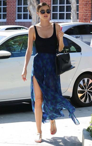 blue-navy-maxi-skirt-black-top-tank-tan-shoe-sandals-bun-sun-black-bag-wear-style-fashion-spring-summer-print-mirandakerr-hairr-classic-weekend.jpg