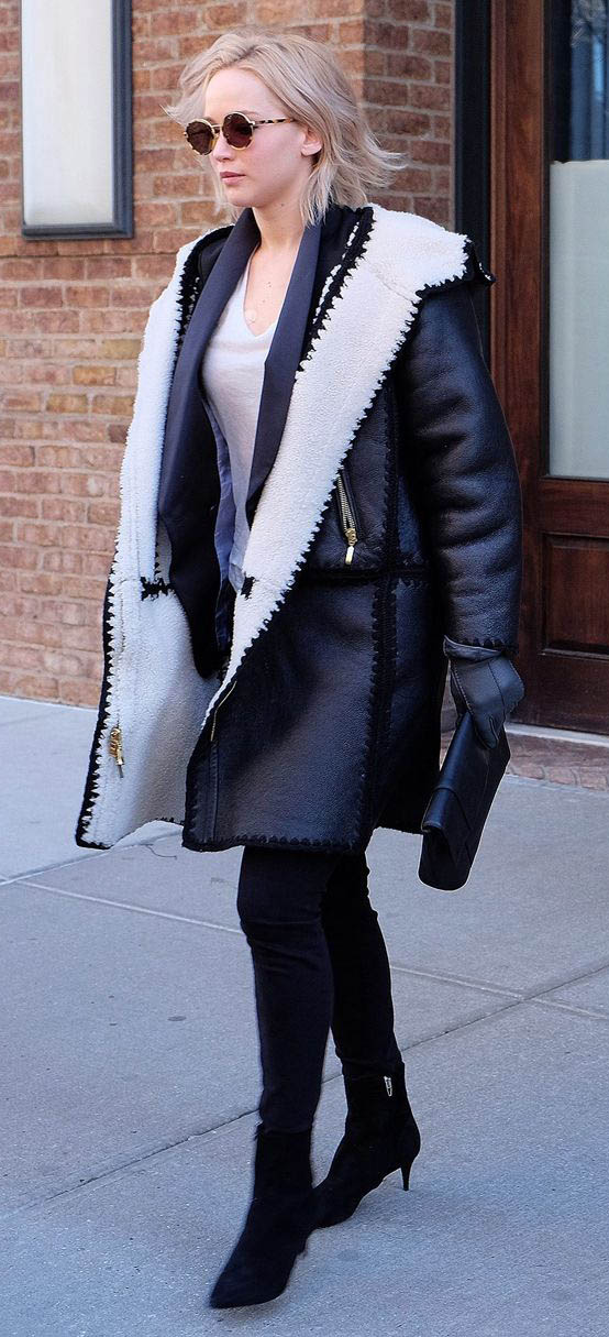 black-skinny-jeans-white-tee-black-jacket-coat-shearling-black-shoe-booties-sun-jenniferlawrence-style-fall-winter-blonde-lunch.jpg